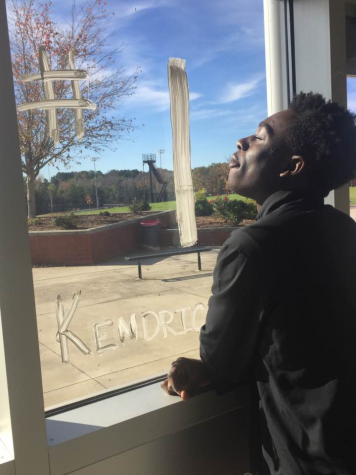 Sophomore standout Derion Kendrick draws college interests with strong athletic talent