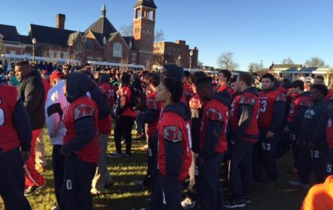 Stallions celebrate State Title in Football City, USA parade