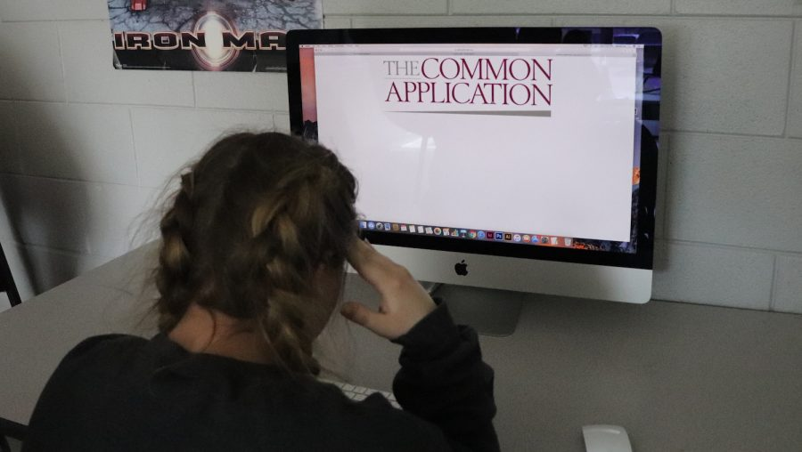 Tips For a Stress Free College Application