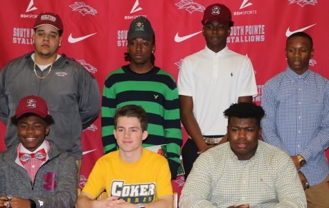 Photo Gallery: Student Athletes Sign to Play at the Next Level