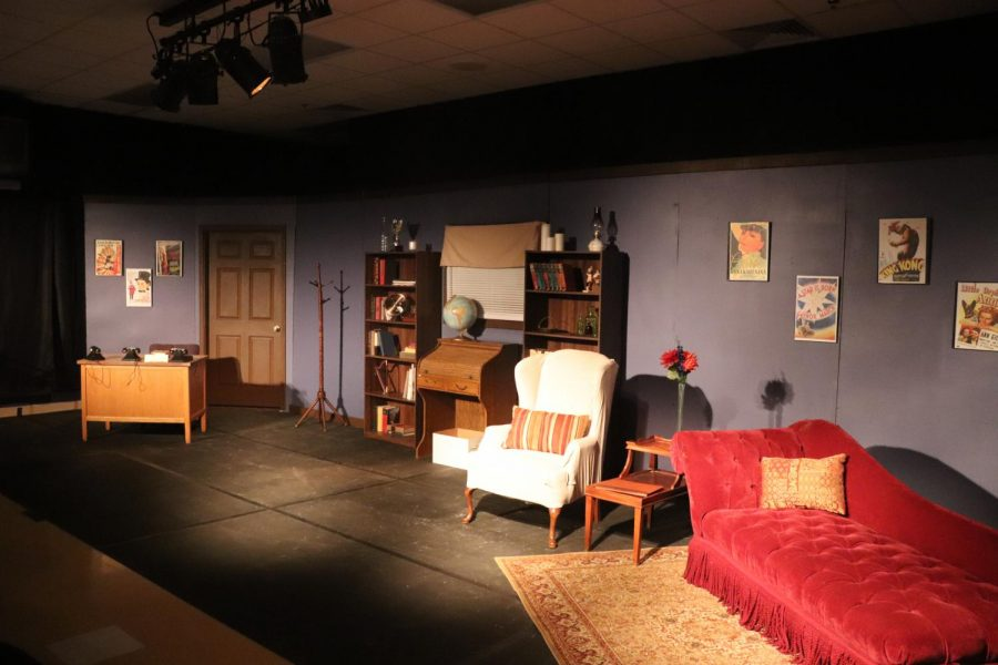 The+set+of+%22Moonlight+and+Magnolias%22%2C+as+created+by+theater+students+and+members+of+the+Drama+Club.