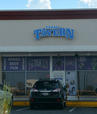 Review: Towne Tavern